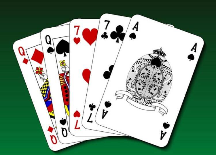 hai đôi poker
