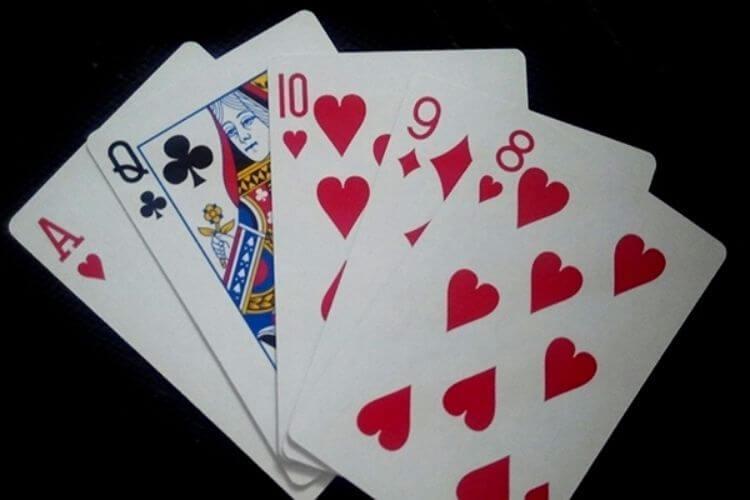 mậu thầu poker